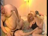 El gordo se folla a dos prostituta muy golfas - Video de Trios X