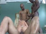 Prueba tres rabos negros para ella sola - Video de Interracial XXX
