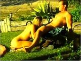 Domingo de relax en la piscina y algo mas - Video de Putas Cerdas