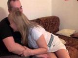 Mi suegra se me echa encima y me pide follar - Video de Maduras Milf