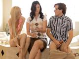 Mamá quiere que la dejemos follar con nosotros - Video de Porno XXX