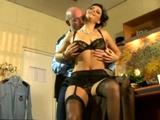 Se folla en el despacho a la mujer del jefe - Video de Folladas Anales