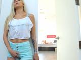 Se excita viendo a mamá masturbándose - Video de Lesbianas