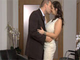 Madura tetona se folla a su marido en la luna de miel